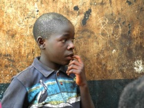 En pojke som precis hamnat på gatan