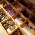 många olika stenar till försäljning