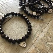 Steel and oxygen bracelet