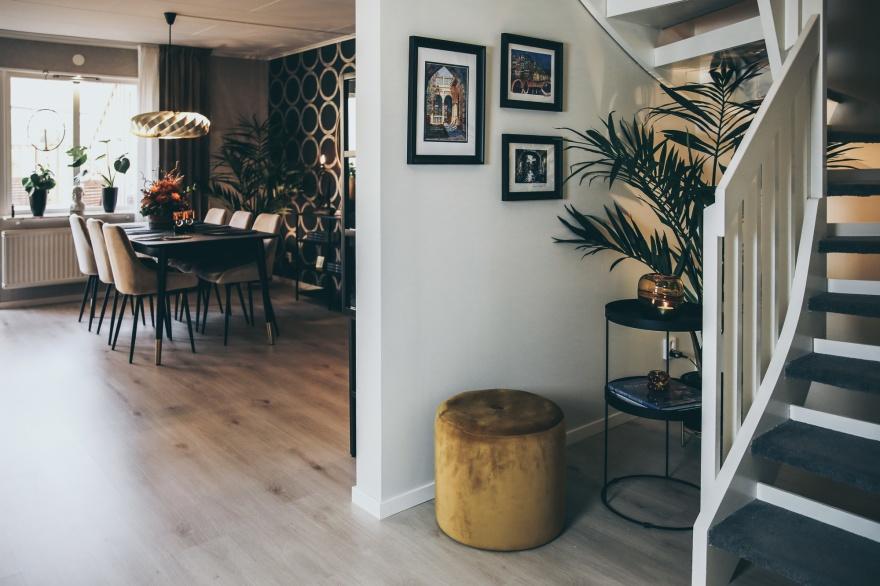 Nyrenoverat i Varberg, ny planlösning mellan trappa och vardagsrum