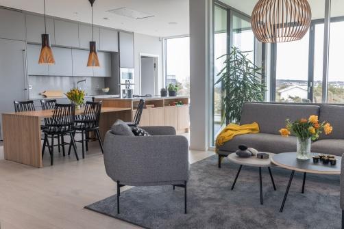 När du ska bygga nytt hjälper Myhres & Coey dig att bevara överblicken och få med alla detaljer, som i denna nybyggda villa i Varberg.