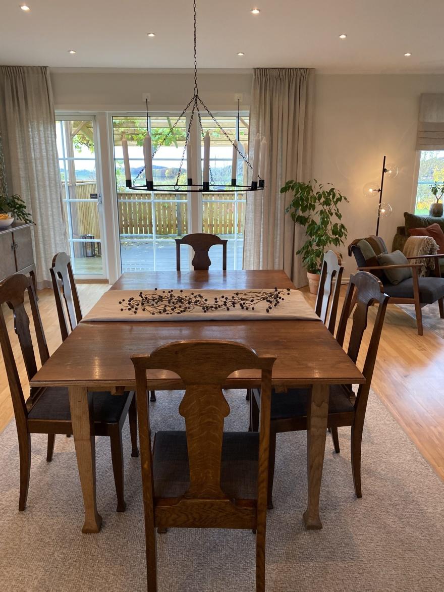 Som inredare hos Myhres & Coey försöker vi alltid att bevara  dina gamla möbler. Ett mix av nytt och gammalt blir ett personligt hem.