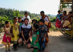 Språkbolaget - partner i språk hänger med vår cyklande skribent som skänker alla intjänade pengar till UNICEF