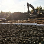 Här pågår överbyggnadsarbete för parkeringsytor.