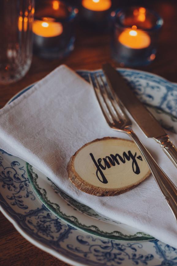 dukningstips, bordsplancering, festdukning, juldukning, inspiration, dukningsinspiration, hyra porslin, vintage, vintageporslin