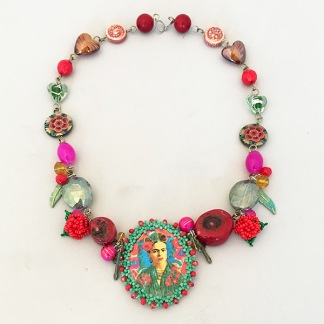Halsband Frida Relic -