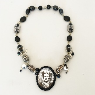 Halsband Frida Black & White -