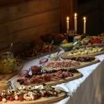 Vi bjöds på en helt gudomligt god middag med många lokala delikatesser