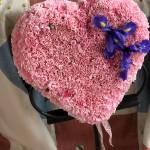 Fyllt hjärta med nejlikor (M)
