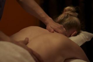 Naprapatisk hjälp vid rygg och nackproblem