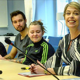 När man får sitta med på förberedande riksdagsmöte med Annika Strandhäll