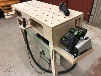 Målarställ, MFT-skivor och MFT-platta från svenska XTools passande Festools MFT-system. Svensktillverkade MFT-skivor och bänkare för snickare och hantverkare.