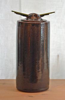 Brun urna 1