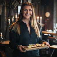 Amanda serverar ostron