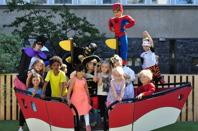 Varje år firar vi Lysande förskolans dag. Då är alla barn, föräldrar och pedagoger utklädda.