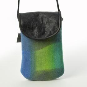 """""""Aurora Borealis"""" Mobilväska att hänga runt halsen eller att bära som en axelväska /  Mobile phone bag  to hang around your neck or carry as a shoulder bag"""