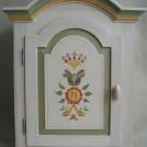 Vitlaserat väggskåp / Wall cabinet
