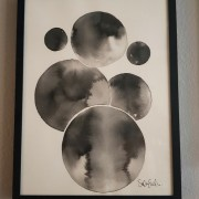 Circles in black and white 3