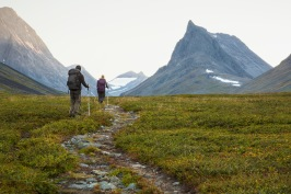Hiking along the Kungsleden. Credits: Michael Jönsson/imagebank.sweden.se