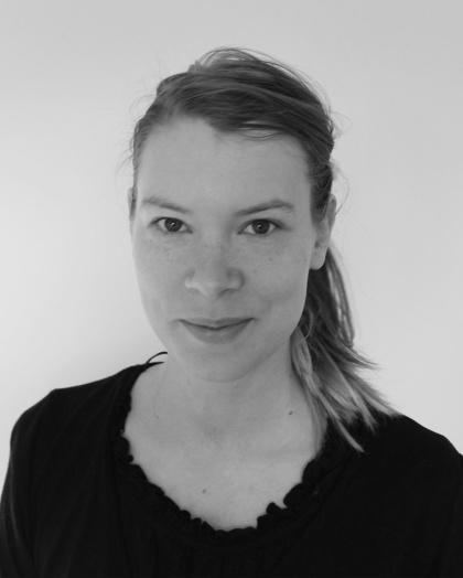 The artist Kristin Ylikiiskilä Broberg