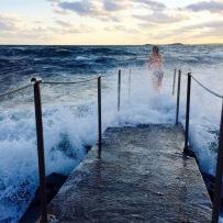 Bad på Morgonbryggan i storm