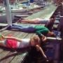 Krabbfiske i hamnen