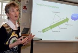 Strategiarbetet visar vägen. Sylvia Jonsson, VD, ledde årsmötet och presenterade ett förslag till strategiarbete.