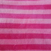 Cerise/rosa randig tillklippt bit 1 meter