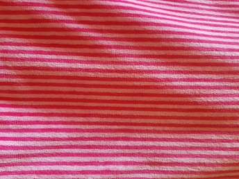 Cerise/rosa SMALRANDIG tillklippt bit 1 meter