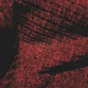 Vinröd Ribbstickad vara för kofta, grövre muddar, mössa...