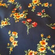 Mörkblå vävd viskos med blommor