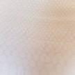 Chiffong vit med präglat diskret  reptilmönster
