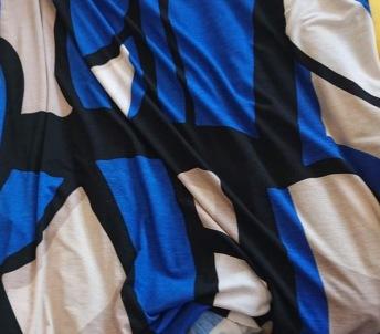 Blå mönstrad polyester jersey