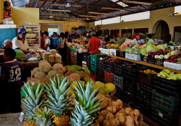 Frukostinköp på marknaden i Valladolid