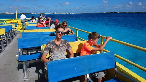 Ombord på färjan mot Isla Mujeres