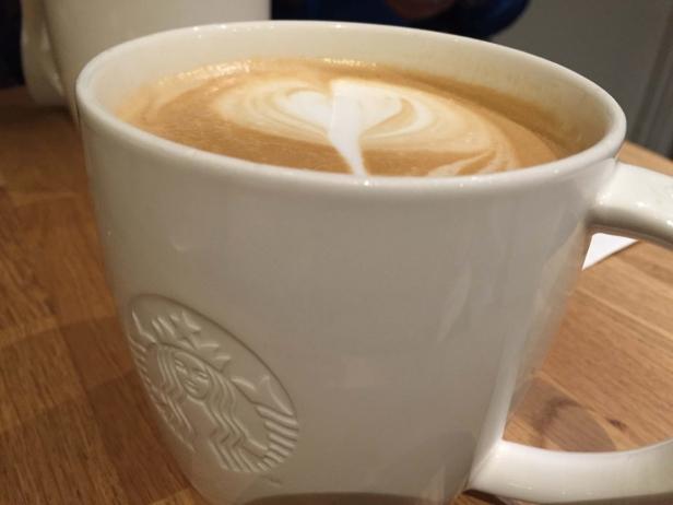 Älskar chai latten på Starbucks