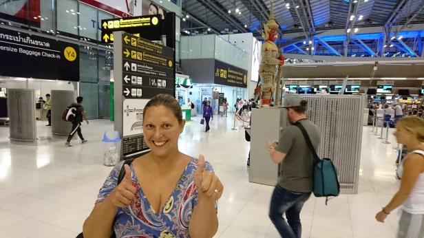 Älskar känslan på flygplatser, pirret i magen innan man sitter i planet! Här är jag i Bangkok påväg till Sri Lanka.