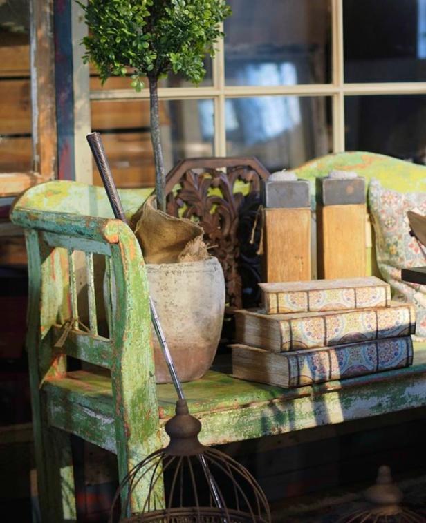Unika gamla möbler och nyproduktion i en härlig blandning hos Danys Home!