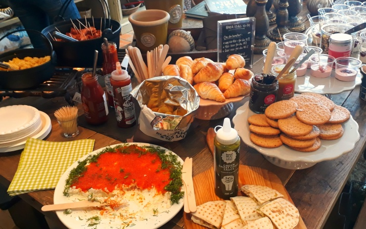 Massor med spännande nya smaker stod uppdukade till den lyxiga frukosten!