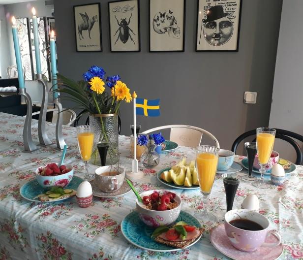 Nationaldagsfrukost hemma hos Fru Fiffelin