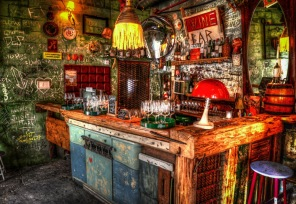 Pussel - Ruin Bar in Budapest -