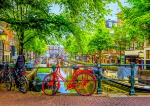 Pussel - The Red Bike in Amsterdam -