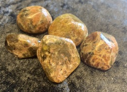 Granat grön, ca 20-25 mm