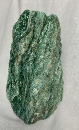 Fuchsit, stående - 733 gr, h. ca 120 mm