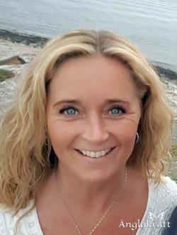 Reiki Healing hjälper kroppen till självläkning & är stressreducerande. Reiki Master Cecilia Andrén McDonald - Änglakraft