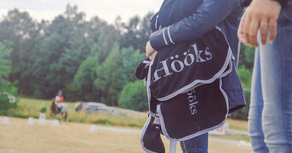 Tack till Hööks som sponsrar med ponnytäcken! Foto: Jonas Fajers