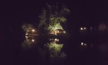 Ny trädbelysning längs med sjön
