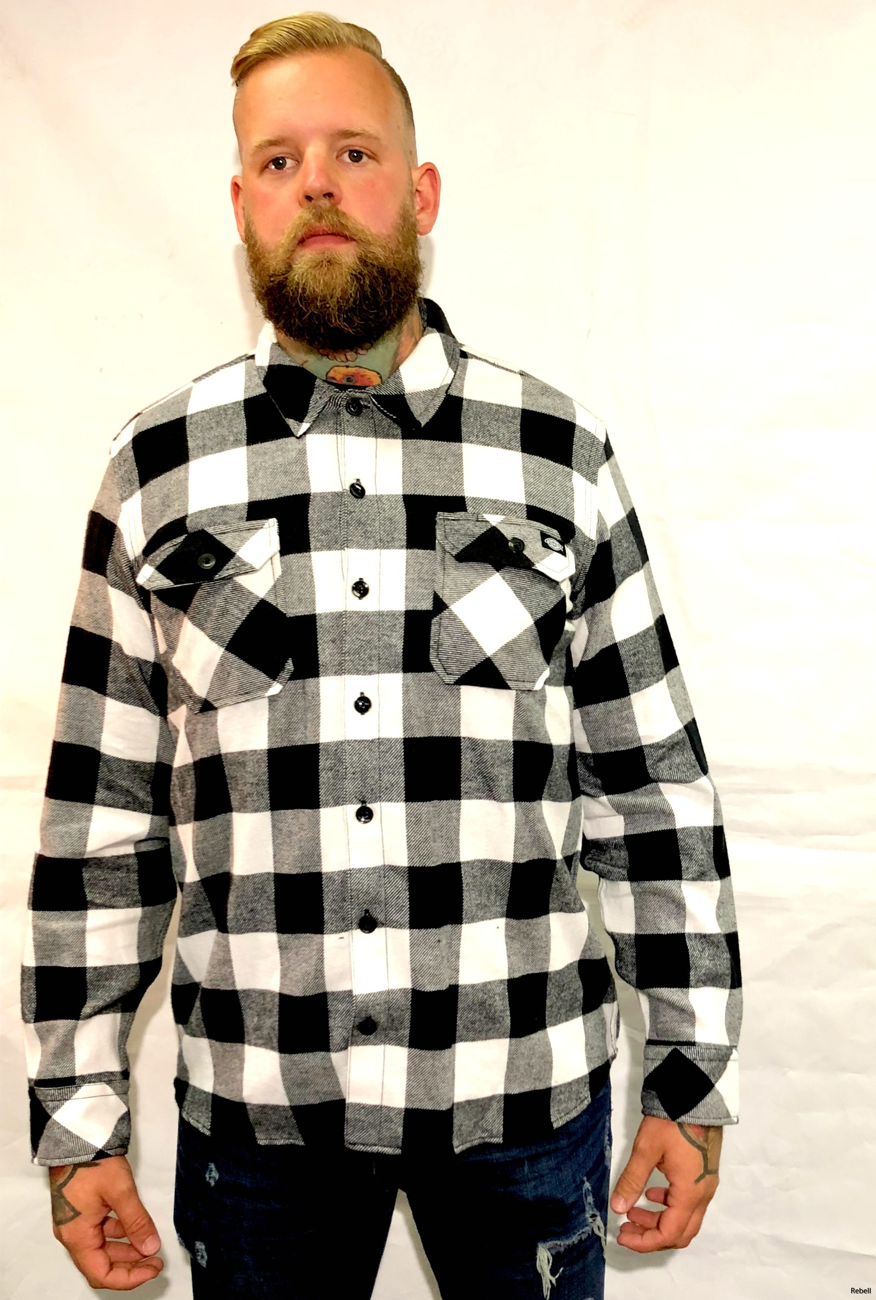 IMG_dickies flanell dickiesflanell dickieskläder dickiesskjorta rebell rebellclothes svartvit skjorta