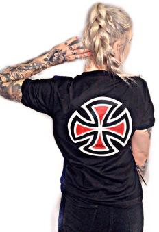 Independent tshirt  barcross svart unisex