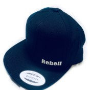 Rebell keps dark royalblue/vit text unisex